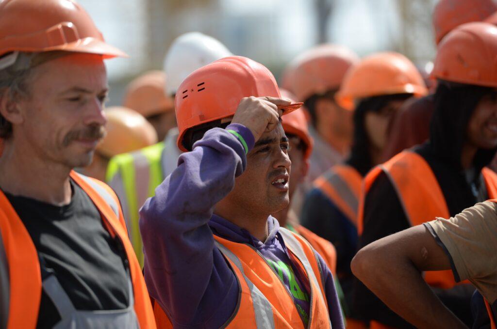 Трудовые мигранты из СНГ. Что делать и как принимать на работу?