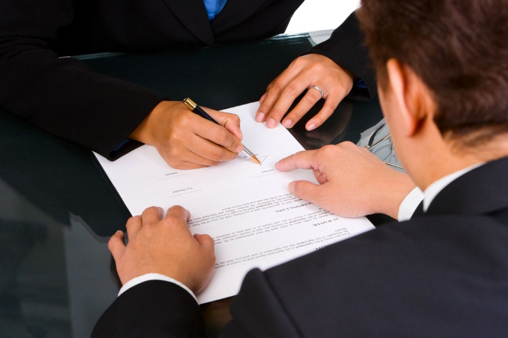 Дополнительное соглашение с иностранным сотрудником. Когда заключать?