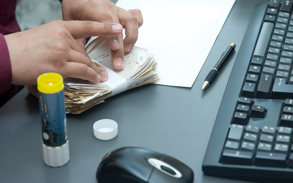 За что могут оштрафовать компанию, работающую с иностранцами?